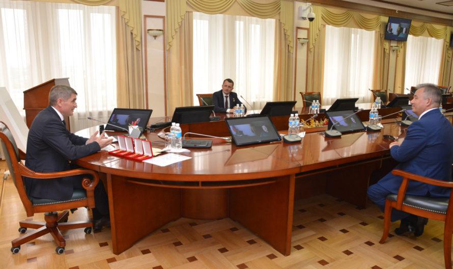 Героев России наградили медалями в Чувашии