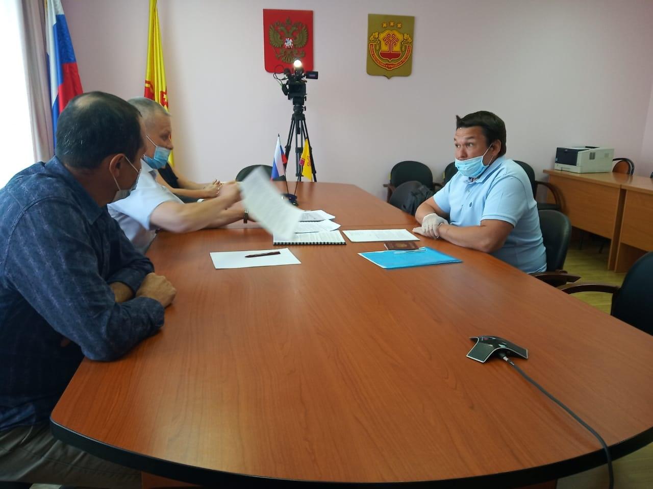 Центральная избирательная комиссия принимает документы у претендентов на пост главы Чувашии