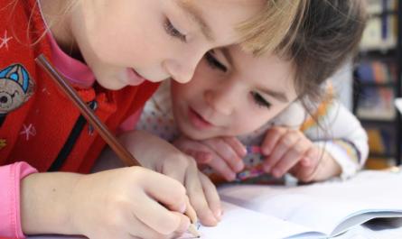 Малоимущие многодетные семьи Чувашии получат по 5000 рублей на каждого ребенка-школьника