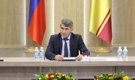 Олег Николаев раскритиковал бездействие управляющих компаний