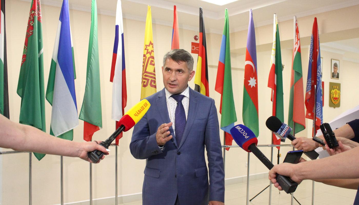 Олег Николаев предложил проводить ежегодный фестиваль народов