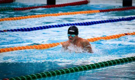 Коронавирус отступает: в Чувашии снова заработали плавательные бассейны и фитнес-центры
