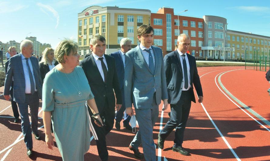Сергей Кравцов отметил качественную подготовку школ Чувашии к новому учебному году