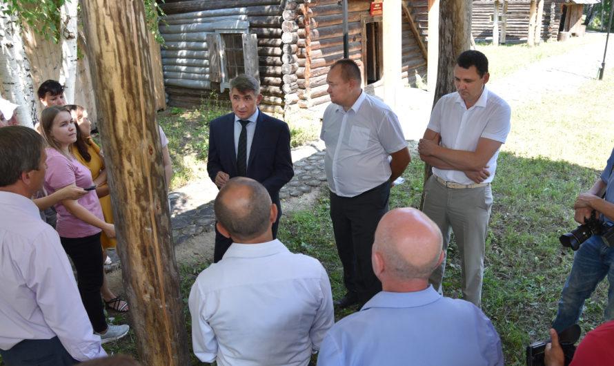 Олег Николаев встретился с активом Ибресинского района в музее под открытым небом