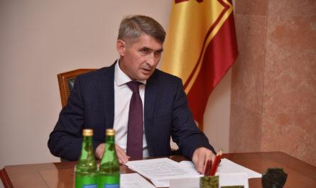 Олег Николаев поручил пересмотреть подходы к поддержке и развитию малого и среднего бизнеса