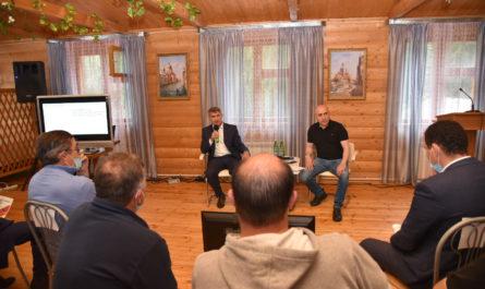 Олег Николаев рекомендовал фермерам активнее пользоваться господдержкой бизнеса