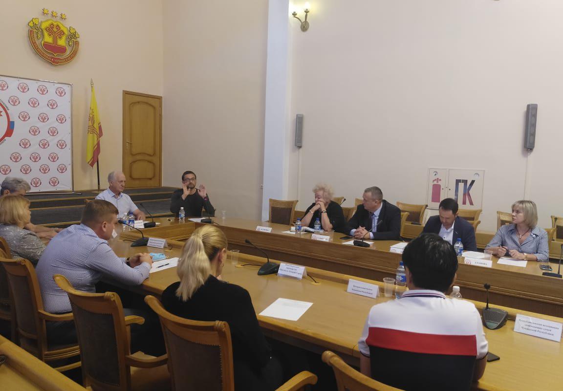 Руководитель Штаба общественного наблюдения за выборами в Чувашии Дмитрий Донсков призвал кандидатов объединиться для контроля над ходом голосования