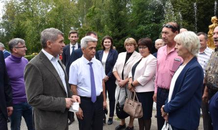 Олег Николаев: жителей необходимо вовлекать в контроль за реализацией проектов в муниципалитетах