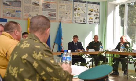 Олег Николаев взял на контроль организацию работы по патриотическому воспитанию в республике