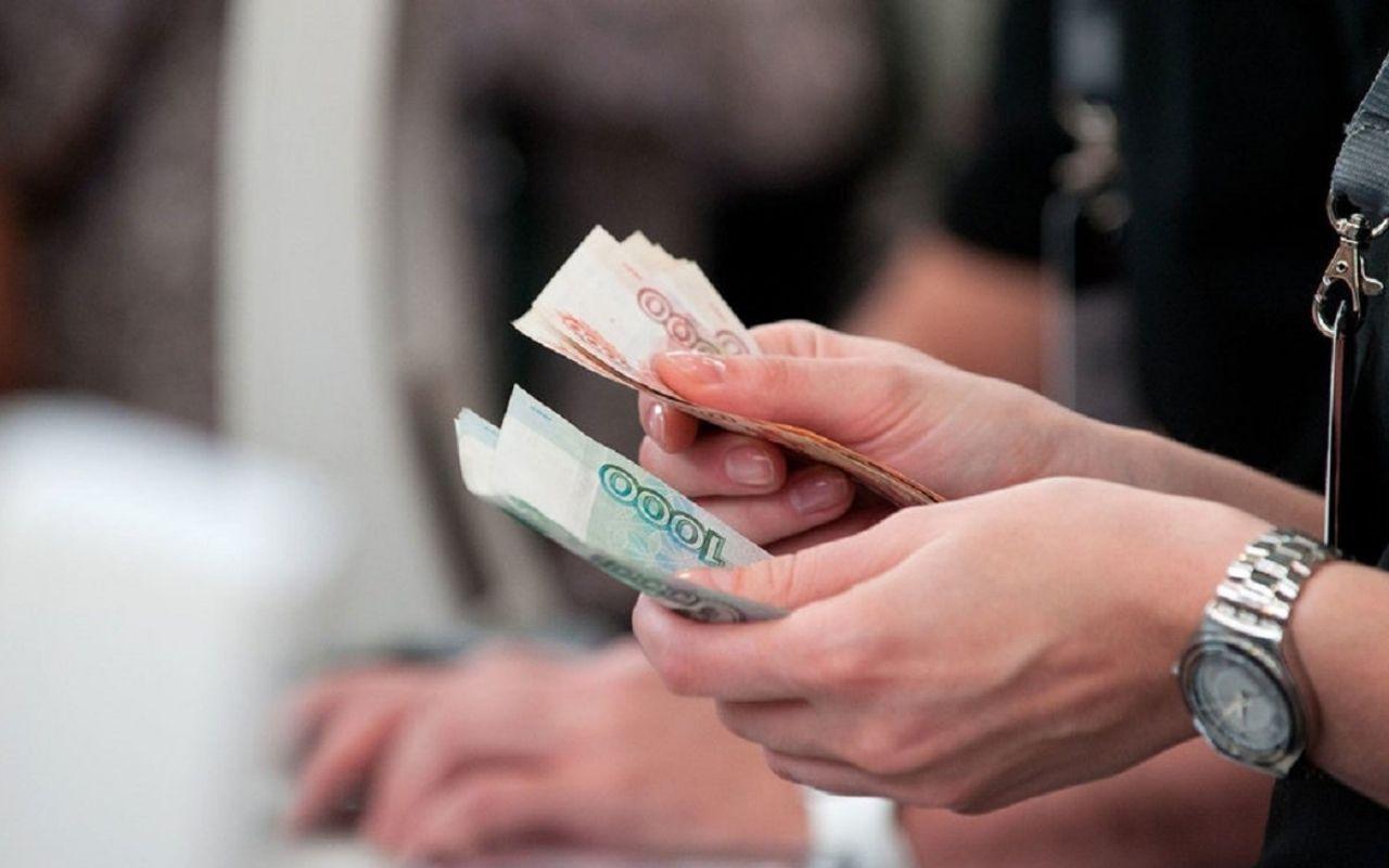 В Чувашии предусмотрены средства на повышение заработной платы работникам бюджетной сферы.