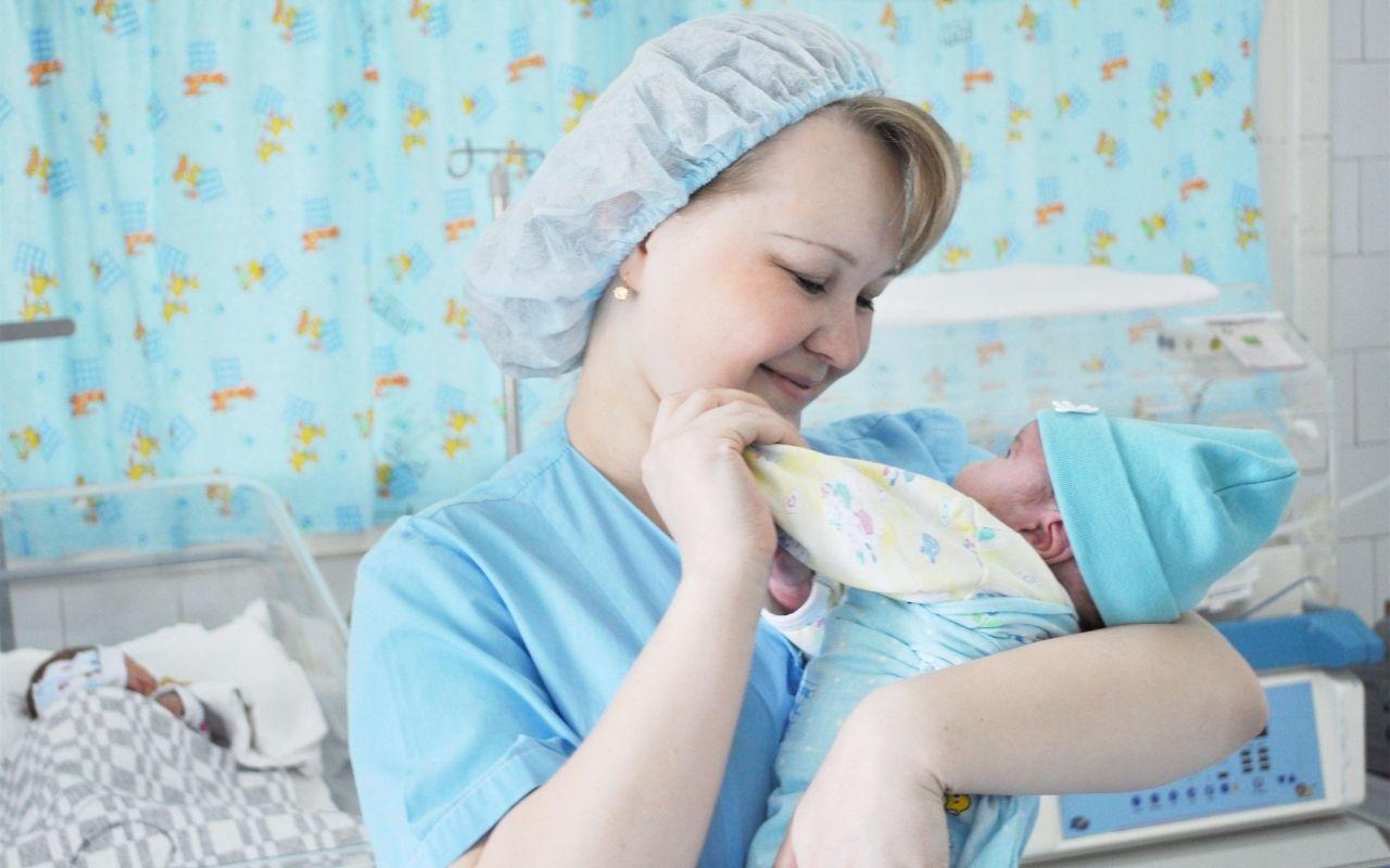 Рожать с коронавирусом: в Чебоксарах в «красной зоне» на свет появились 57 малышей