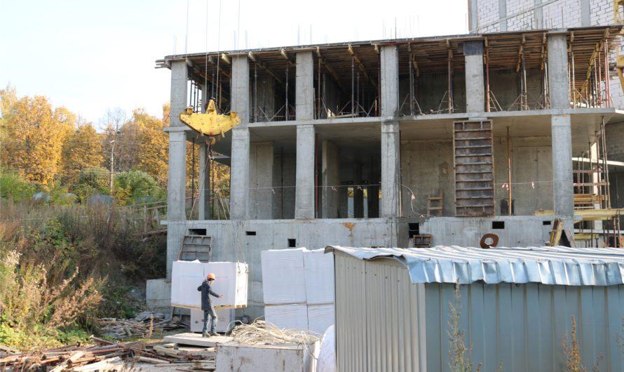 Олег Николаев поручил ежемесячно докладывать ему о ситуации с проблемными объектами долевого строительства