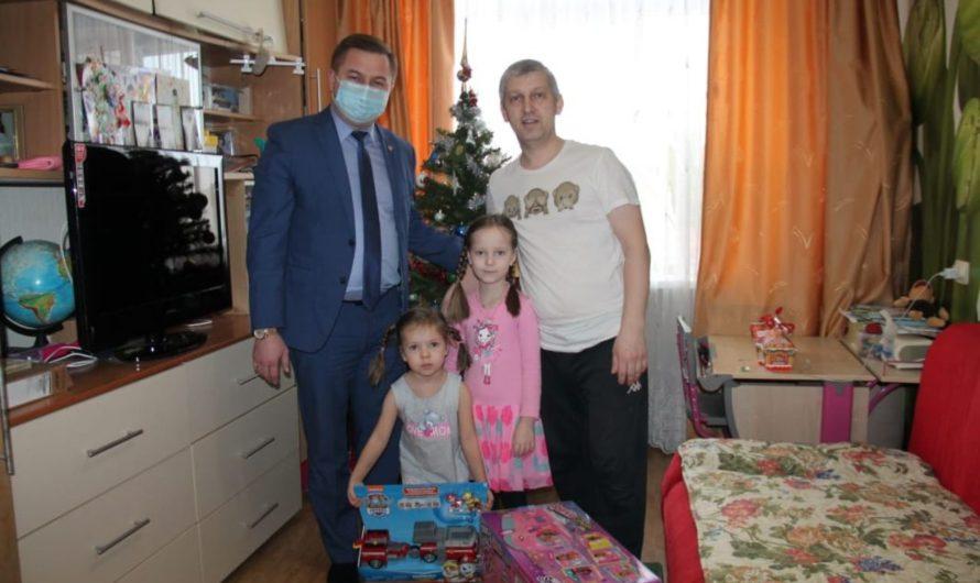 Министр здравоохранения Чувашии Владимир Степанов присоединился к акции «Ёлка желаний»