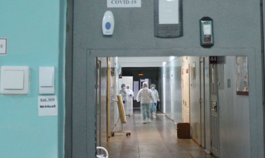 Медработники, задействованные в борьбе с COVID-19, получают выплаты за декабрь