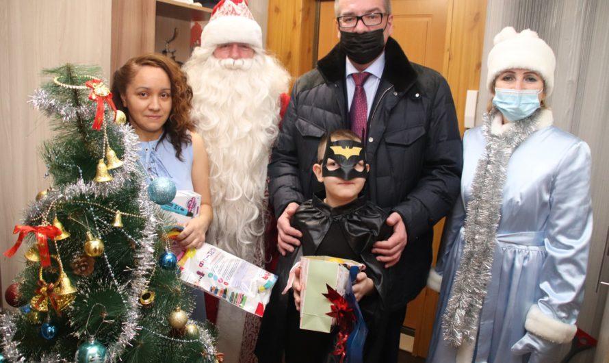 Марафон чудес продолжается: глава администрации Новочебоксарска исполнил мечту 7-летнего Глеба