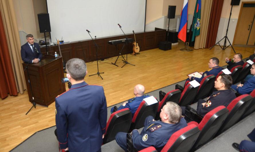 Глава Чувашии поздравил сотрудников следственного управления с 10-летием со Дня образования Следственного комитета России