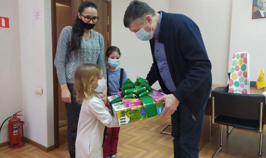 Марафон чудес продолжается: Владимир Осипов исполнил желания двух детей