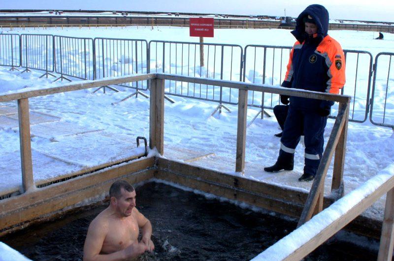 Крещенские купания в бассейнах проводиться не будут