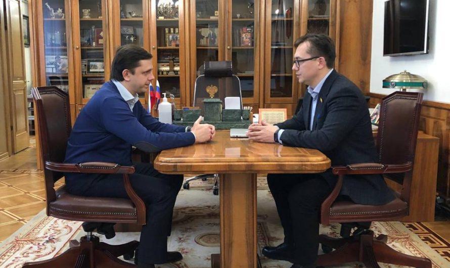 Суперфиналист конкурса «Лидеры России» встретился со своим наставником – губернатором Орловской области