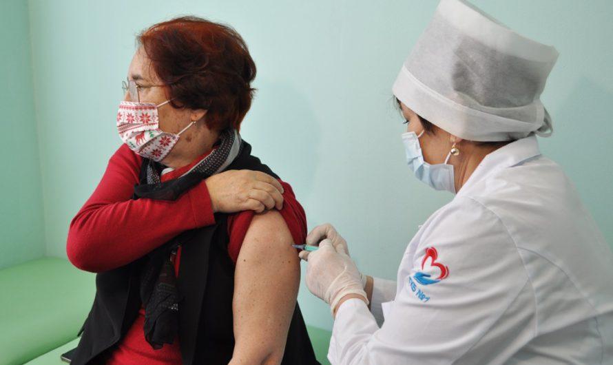 Медработники Чувашии проходят второй этап вакцинации от COVID-19