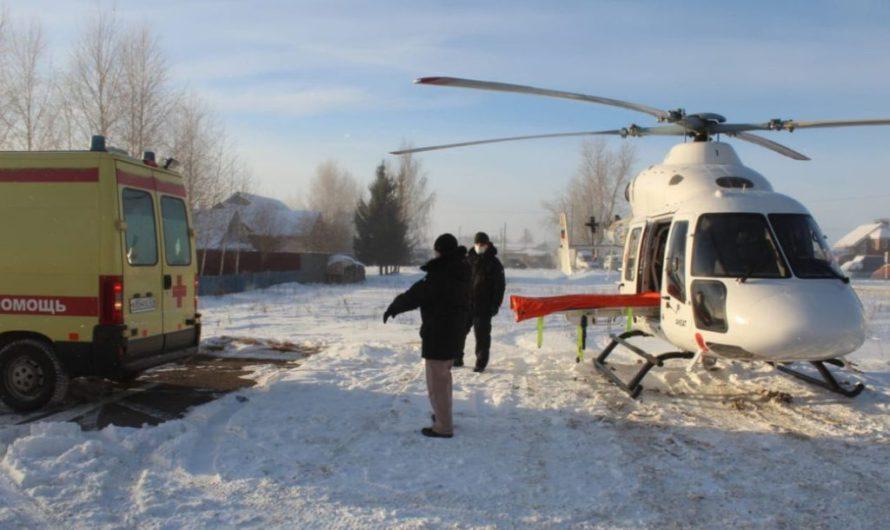 Санитарная авиация помогла доставить в больницы 52 человека