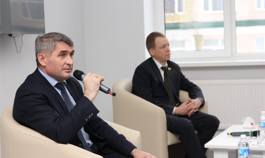 Олег Николаев рассказал о своём отношении к гаджетам