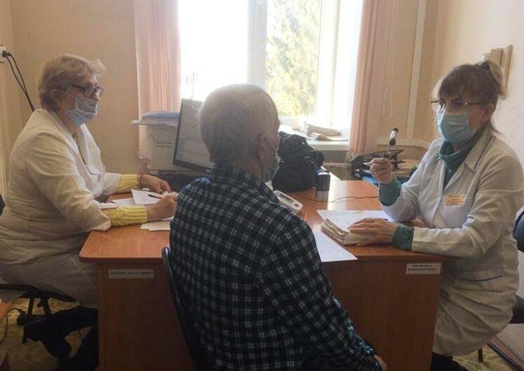 Медики Республиканского госпиталя для ветеранов войн продолжают консультировать пациентов в районах