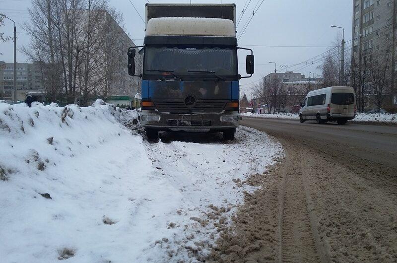 Олег Николаев поручил продумать логистику грузовых перевозок в крупных городах Чувашии