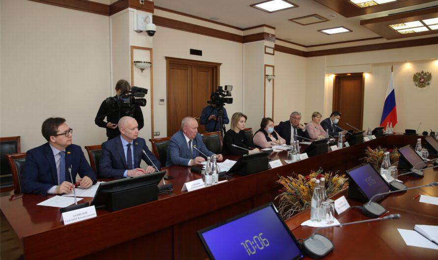 Альбина Егорова назвала отличников законотворческой работы
