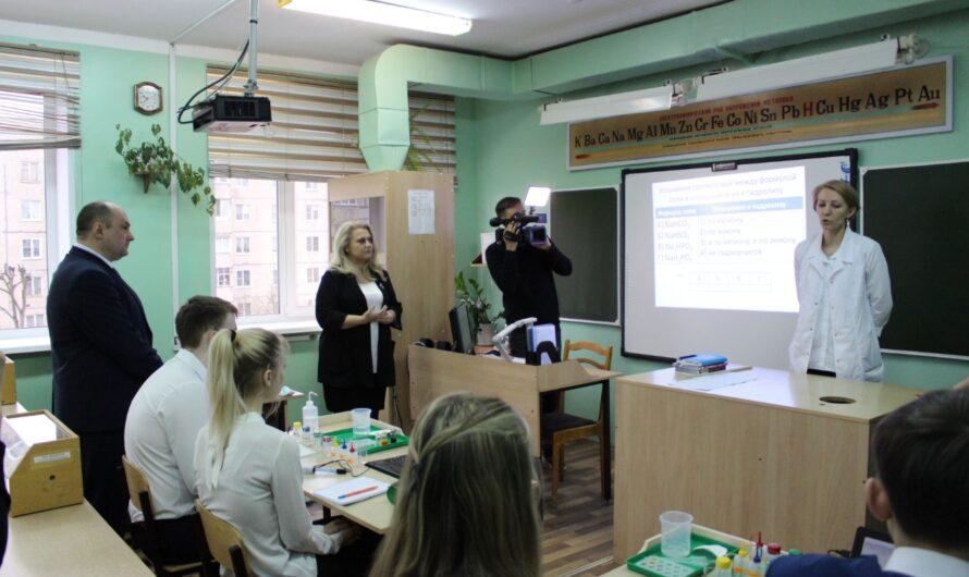 Алла Салаева предложила открыть медицинский класс в Шумерлинской школе №3