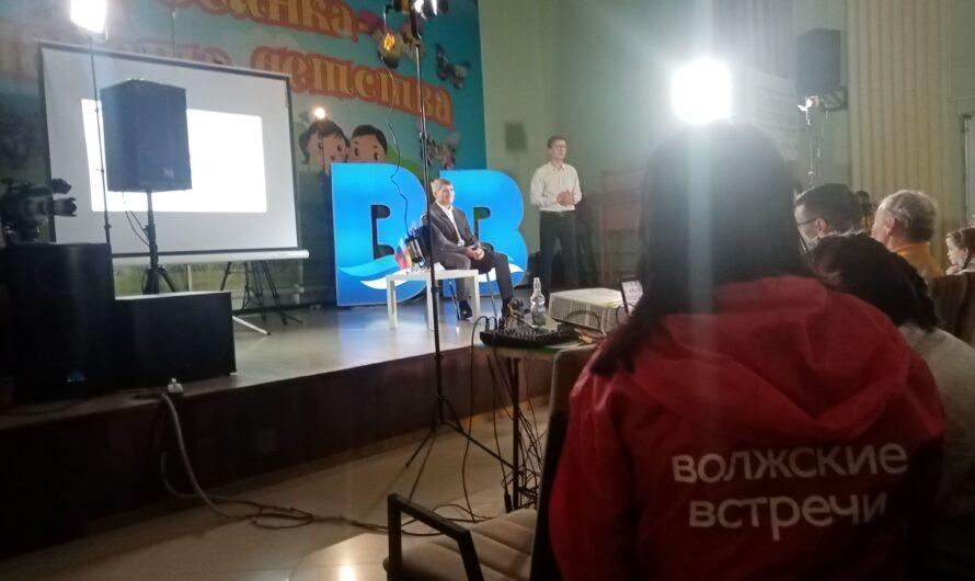 Олег Николаев: по судьбе старого Дома Правительства ищем решение вместе с жителями республики