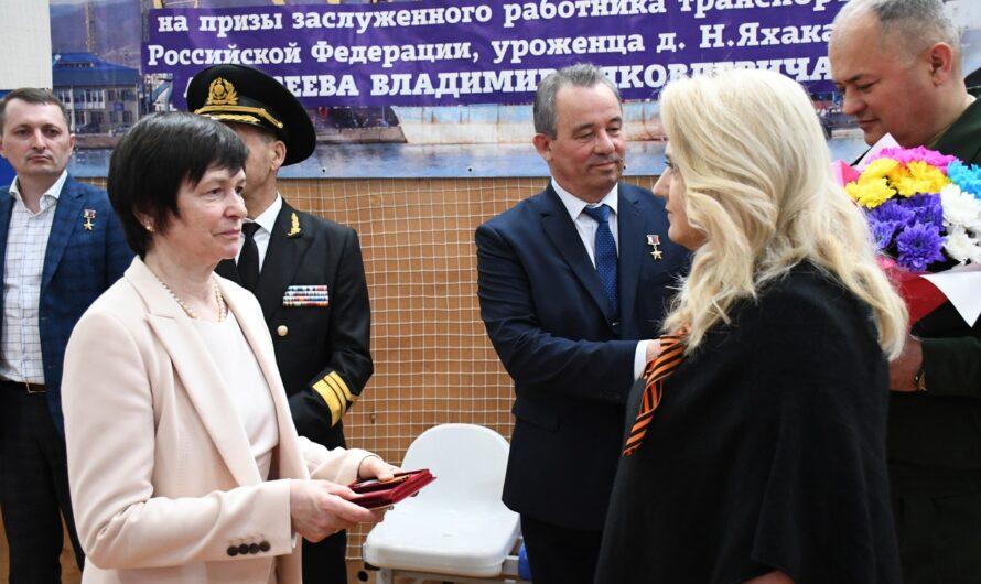 Родственникам ветерана Великой Отечественной войны передали солдатский орден Славы