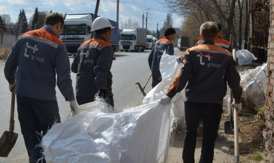 Энергетики Чувашии очистили улицы от нескольких тонн мусора