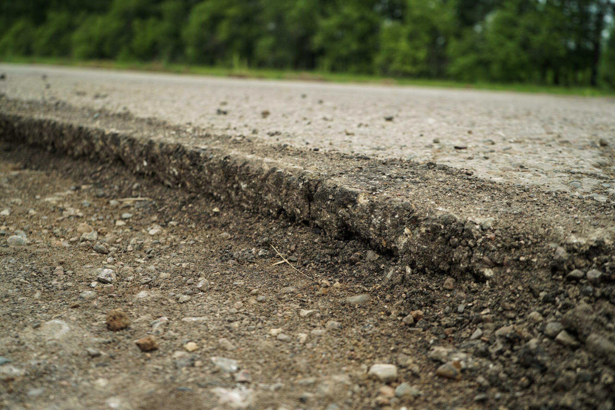Минтранс Чувашии потребовал срочно восстановить разрушенные при строительстве трассы М-12 участки дорог