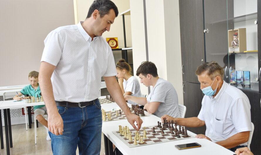 В вузах Чувашии прошли сеансы одновременной игры с гроссмейстерами