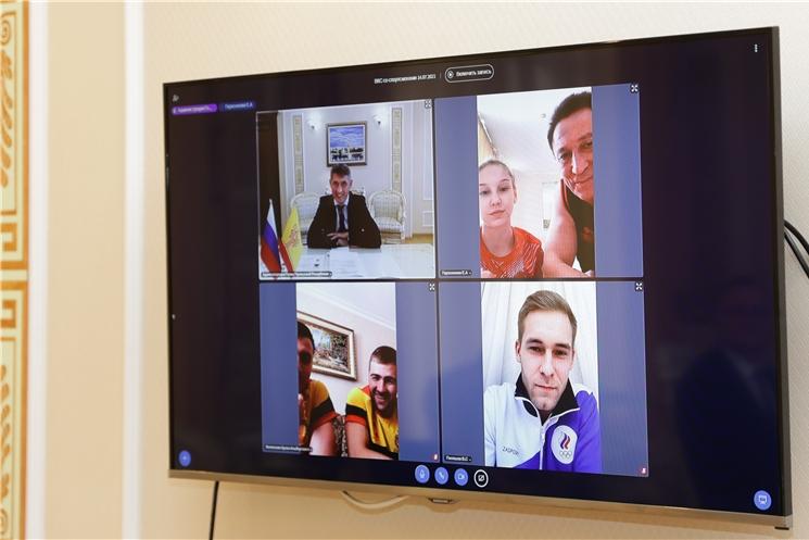Олег Николаев пожелал удачи и побед спортсменам-олимпийцам Чувашии