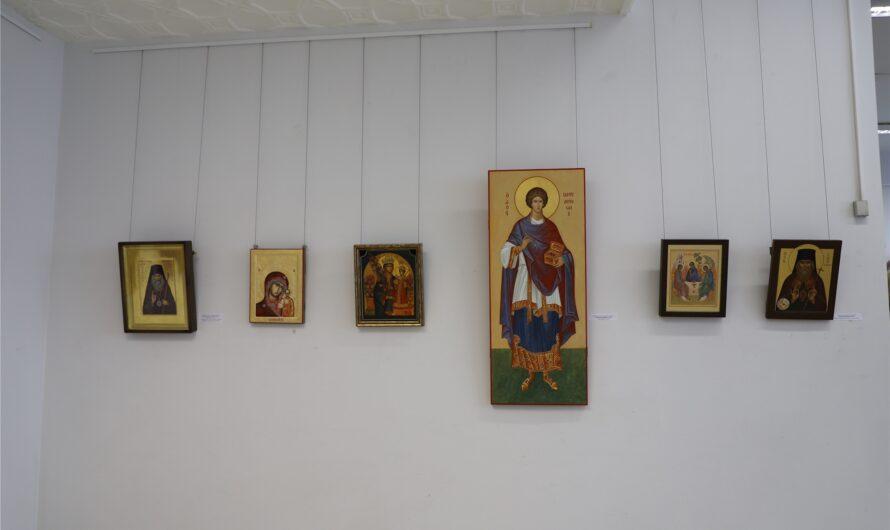 В Чувашском государственном художественном музее открылась выставка 40 мастеров церковного искусства