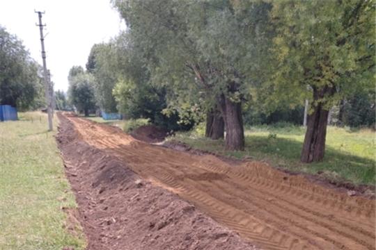 В деревне Анишкасы ремонтируют дорогу по инициативе жителей