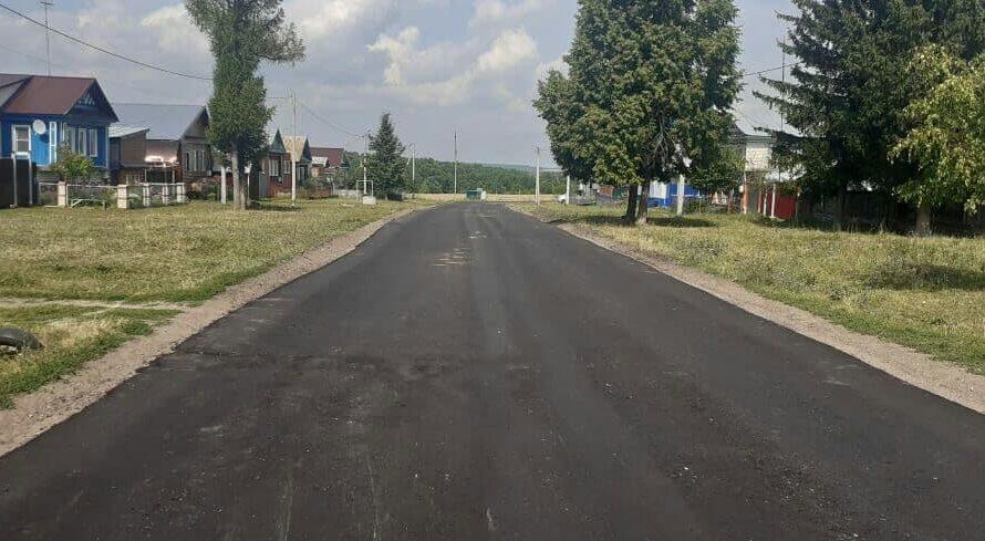 В деревне Верхние Ачаки ремонтируют автодорогу «Ядрин – Николаевское – Новые Атаи»