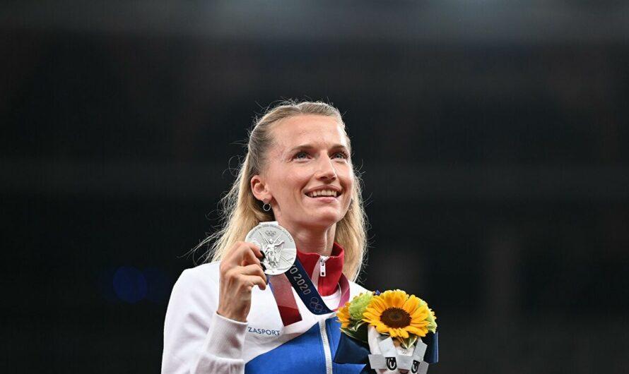 Вице-чемпионка Олимпиады-2020 в прыжке с шестом Анжелика Сидорова удостоена медали ордена «За заслуги перед Отечеством I степени»