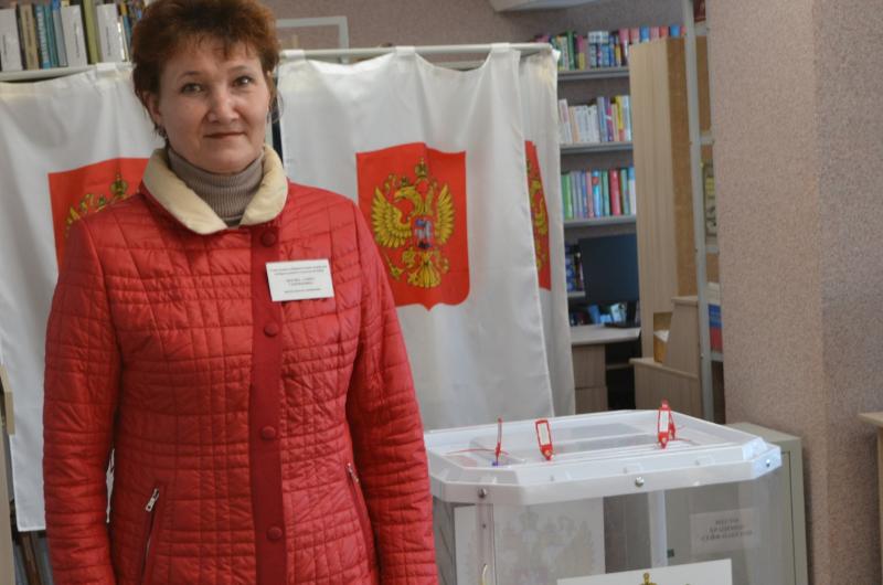 Председатель Янтиковской УИК № 2524 Алина Титова: «Воспользуйтесь последними минутами»