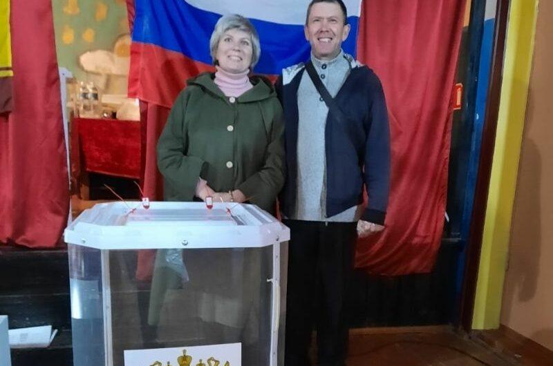 Многодетные родители из села Атрать отдали свои голоса за счастливое детство всех чувашских малышей