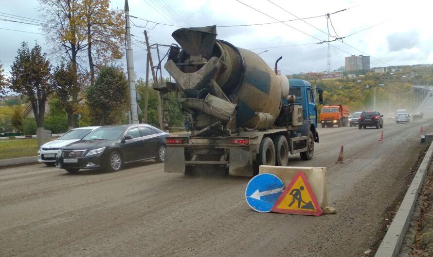 На ключевом участке городской магистрали в Чебоксарах в разгаре капитальный ремонт